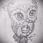 hibou tatouage sur son esquisse du cou 1