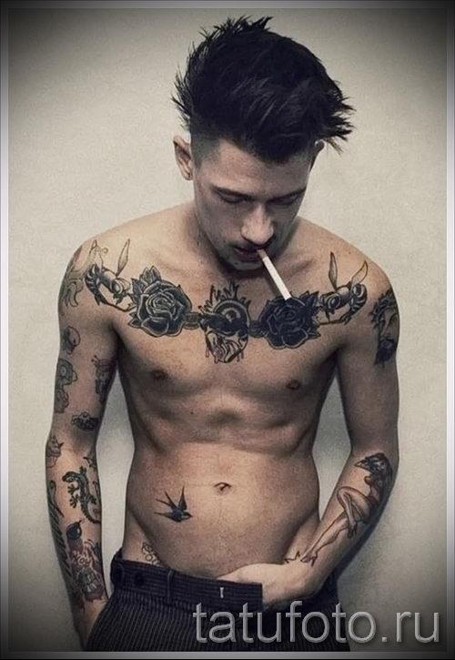 Фото парня с татуировками