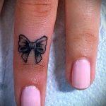 тату бантик маленький - фото пример готовой татуировки 02052016 10