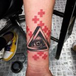 тату глаз в треугольнике на запястье - фото готовой татуировки от 13052016 7