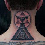 тату глаз в треугольнике на шее - фото готовой татуировки от 13052016 5