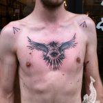 тату глаз в треугольнике с крыльями - фото готовой татуировки от 13052016 7