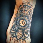 тату мандала на ступне - фото пример готовой татуировки от 23.05.2016 10