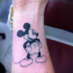 тату микки маус на руке - готовая татуировка от 16052016 4