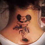 тату микки маус на шее - готовая татуировка от 16052016 1