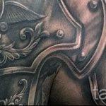 тату на плече мужские кожаные доспехи фото - пример готовой татуировки от 16052016 6