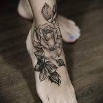 тату на ступне цветы - фото пример готовой татуировки от 23.05.2016 2