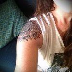 Mandala Tätowierung auf der Schulter - Beispielfoto des fertigen Tätowierung auf 01052016 2
