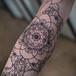 Mandala Tätowierung auf seinem Unterarm - Beispielfoto des fertigen Tätowierung auf 01052016 1