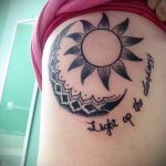 Mandala-Tattoo auf der Seite - Foto Beispiel des fertigen Tätowierung auf 01052016 1