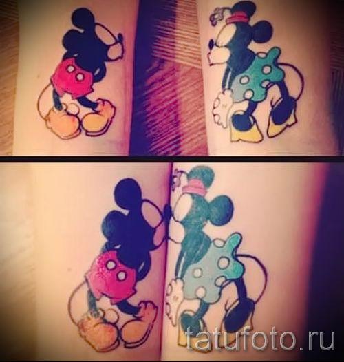 Mickey Mouse-Tattoo auf ihrem Handgelenk - fertigen Tätowierung auf 16052016 1