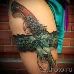 Tattoo-Strumpfband mit einem Bogen auf seinem Bein - Beispielfoto des fertigen Tätowierung 02052016 2