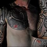 Tattoo armor on his chest - an example of the finished tattoo 16052016 1
