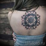 mandala tatouage sur son dos - par exemple Photo du tatouage fini sur 01052016 1