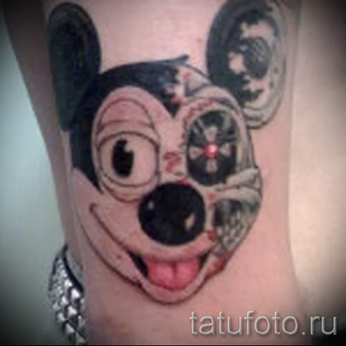 tatouage Mickey Mouse sur la main - tatouage fini sur 16052016 2