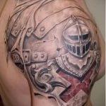 tatouage sur l'armure de cuir Photo épaule hommes - par exemple du tatouage fini sur 16052016 2