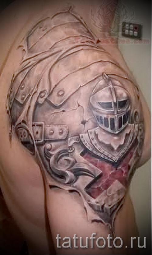 tatouage sur l'armure de cuir photo épaule hommes - par exemple du