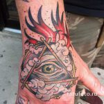 tattoo eye in the triangle on the hand - a photo of the finished tattoo 13052016 1