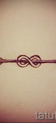 valeur stylo infini de tatouage – un exemple du tatouage fini dans la photo 2