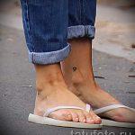 маленькие тату на лодыжке - классные фото готовой татуировки 1