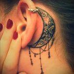 тату за ухом для девушек - фотографии вариантов готовых татуировок 8