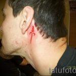 тату за ухом для мужчин - фотографии вариантов готовых татуировок 7