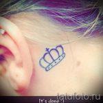 тату корона за ухом - фотографии вариантов готовых татуировок 1