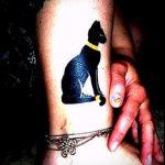 тату кошки на лодыжке - классные фото готовой татуировки 7