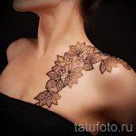 тату кружева на плече - фото пример готовой татуировки 3