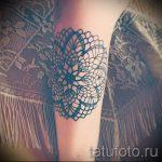 тату кружево на руке - фото пример готовой татуировки 4