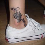 тату на лодыжке женские - классные фото готовой татуировки 19