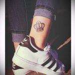 тату на лодыжке корона - классные фото готовой татуировки 4