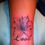 тату на лодыжке лилия - классные фото готовой татуировки 3