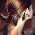 тату перо за ухом - фотографии вариантов готовых татуировок 12