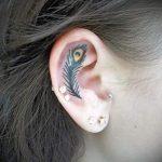тату перо за ухом - фотографии вариантов готовых татуировок 8