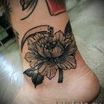 тату пионы на лодыжке - классные фото готовой татуировки 2