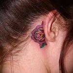 тату роза за ухом - фотографии вариантов готовых татуировок 1