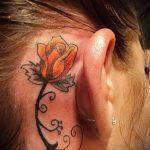 тату роза за ухом - фотографии вариантов готовых татуировок 3