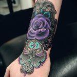 тату розы с кружевом - фото пример готовой татуировки 4
