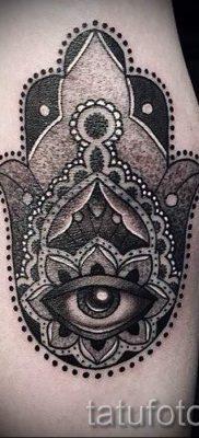 тату хамса – фото пример для статьи про значение татуировки 31