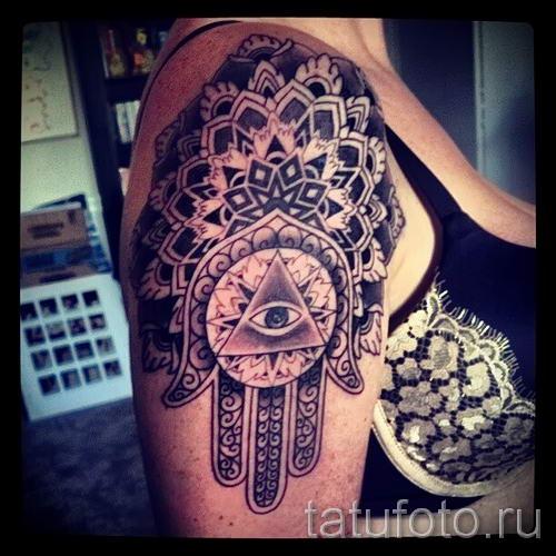 тату хамса - фото пример для статьи про значение татуировки 61