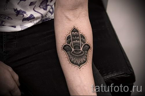 тату хамса - фото пример для статьи про значение татуировки 64