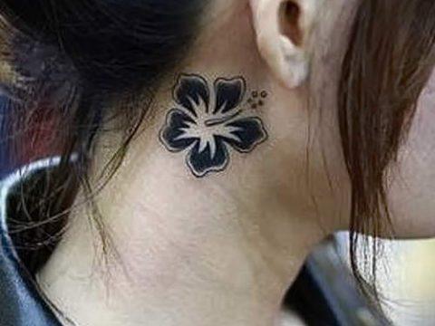 тату хной за ухом - фотографии вариантов готовых татуировок 2
