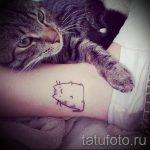 Katze Tätowierung auf ihrem Knöchel - großes Foto des fertigen Tätowierung 2