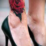 Tattoo auf Knöchel Frauen - cool Foto des fertigen Tätowierung 2