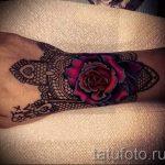 dentelle tatouage sur le poignet - exemple photo du tatouage fini 2
