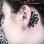 henna tattoo behind the ear 1
