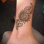 henna tattoo on her ankle Photo - cool photo of the finished tattoo 1
