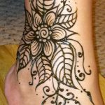 henna tattoo on her ankle Photo - cool photo of the finished tattoo 2