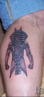 анубис тату на ноге – фото татуировки для статьи про значение 3
